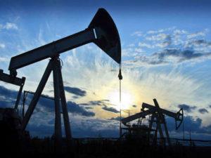 Büdcədə neftin qiyməti azaldılır