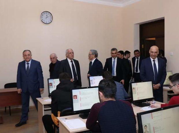 Media nümayəndələri və valideynlər AzTU-da imtahan prosesini izlədi