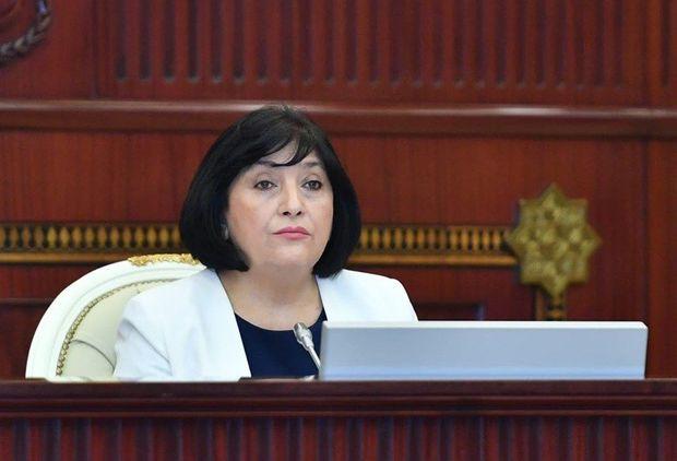 Sahibə Qafarova parlamentdə Şuşanın ildönümü münasibətilə çıxış edib