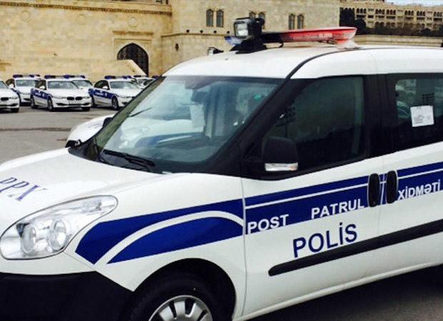 İcazəsiz küçəyə çıxan qadına polislərdən kömək – ANBAAN VİDEO