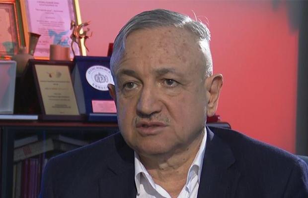 """""""Space"""" TV-nin rəhbəri Vaqif Mustafayev kino adı ilə işçisinə toy etdi – VİDEO"""