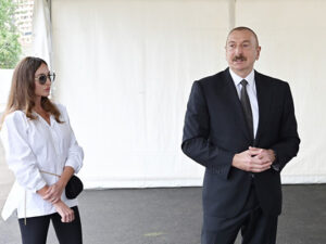 Prezident yeni parkda görüləcək işlərlə tanış oldu – Fotolar