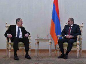 Lavrov-Paşinyan görüşündə Rusiya bayrağı niyə olmayıb? – FOTO