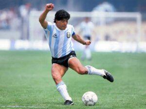 Dieqo Maradona vəfat edib