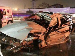 Bakıda dəhşətli qəza: Avtomobil marketə çırpıldı, üç tibb işçisi öldü