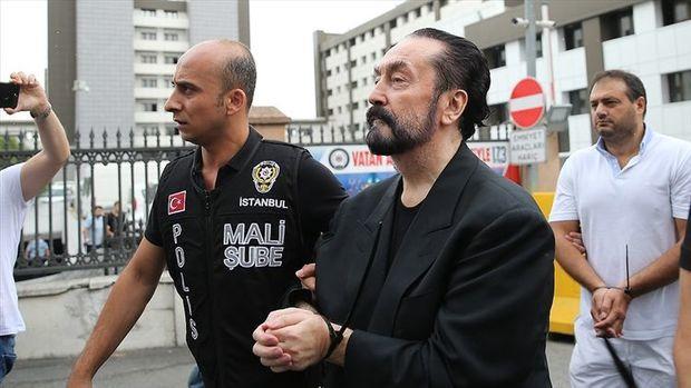 Adnan Oktara 1075 il həbs cəzası verilib