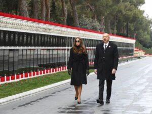 İlham Əliyev və Mehriban Əliyeva Şəhidlər Xiyabanını ziyarət etdilər – FOTO/VİDEO
