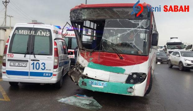 Bakıda ağır qəza: Avtobus betonqarışdıran maşınla toqquşdu,yaralılar var
