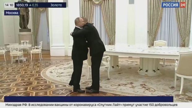 Putin İlham Əliyevi səmimi qarşıladı – VİDEO