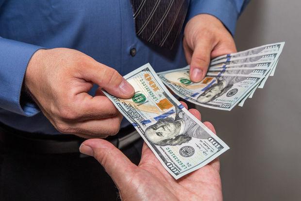 Yanvar ayı ərzində vətəndaşlar nə qədər dollar alıb?