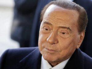 Silvio Berluskoni xəstəxanaya yerləşdirilib