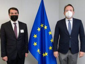Hikmət Hacıyev Brüsseldə Aİ rəsmisi ilə görüşüb
