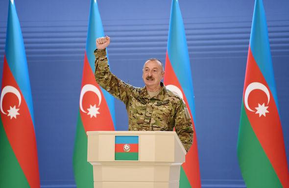 İlham Əliyev Azərbaycan Ordusunun şəxsi heyəti ilə görüşdü – FOTOLAR