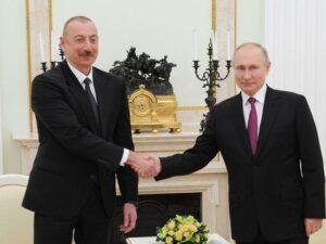 İlham Əliyev Rusiyaya gedib, Vladimir Putinlə görüşü başlayıb