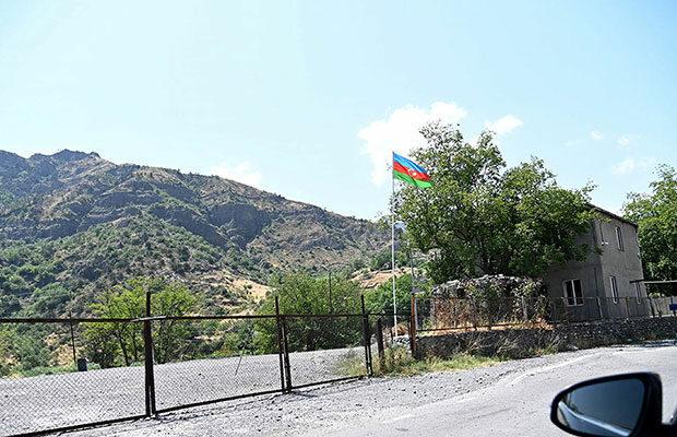 Azərbaycana keçən iki erməni geri qaytarıldı